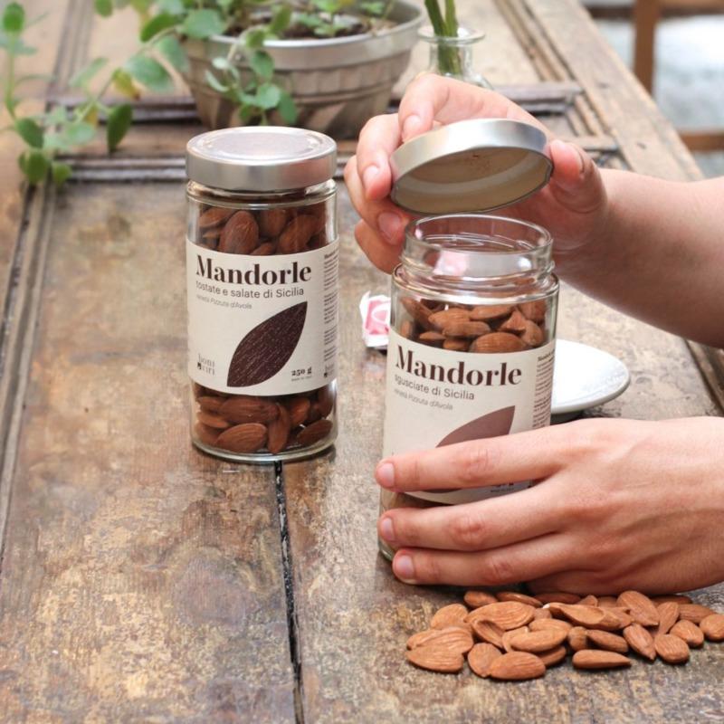 mandorle-siciliane-sgusciate-in-barattolo-250-g