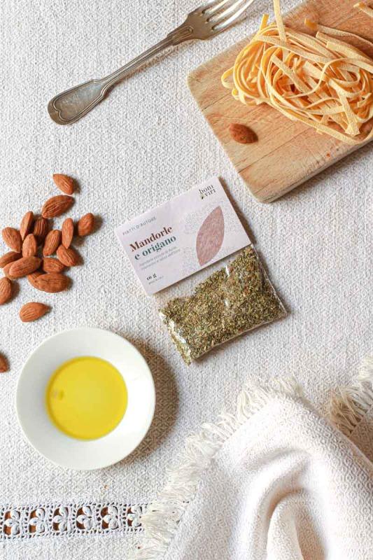 mix-aromi-per-pesce-e-arrosti-con-mandorle-e-origano
